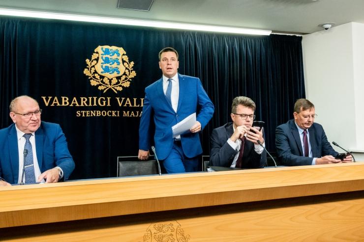 VAATA OTSE KELL 12: valitsuse pressikonverentsil tutvustab peaminister uusi viirusetõrje meetmeid