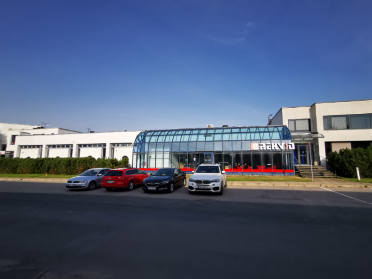 Keerulisel ajal kasvu näitav autokeskuste kett laienes Tallinna piirilt ka Mustamäele