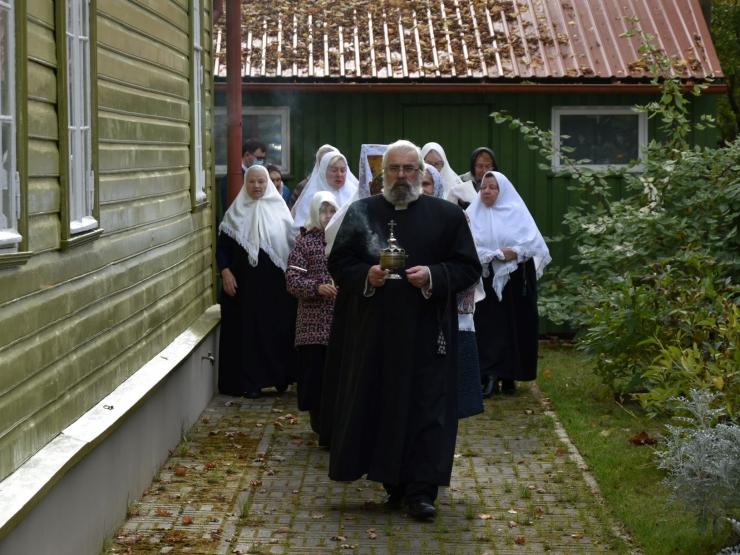 FOTOD! Vanausuliste palvela Kristiine linnaosas tähistas 90. aastapäeva