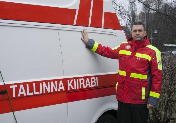 VIDEO: Tallinn tõttab koduarstibrigaadiga haigete laste juurde