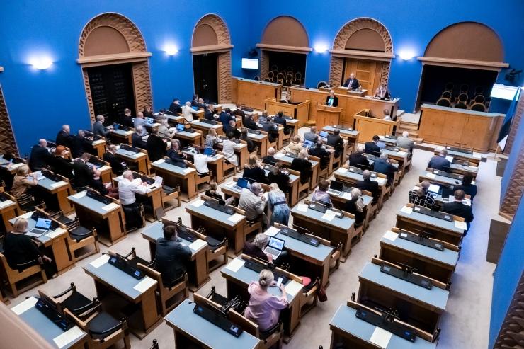 Otse kell 12: riigikogu infotunnis Helme, Kiik ja Siem