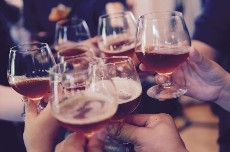 Helme: peame võtma suuna alkoholitarbimise vähendamisele