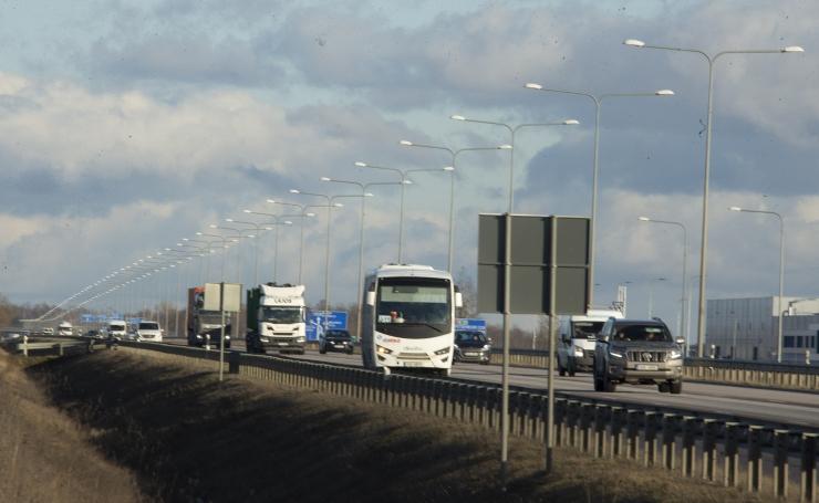 Liinibussidele paigaldatavad andurid hakkavad teeolusid mõõtma