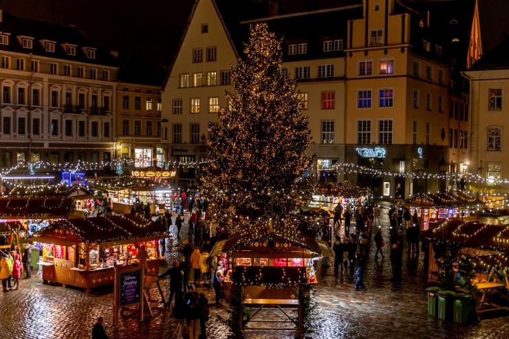 Kesklinna asumites süttivad jõulutuled